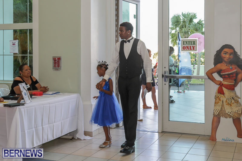 27-Tiaras-Bowties-daddy-Daughter-Dance-Bermuda-2017-10