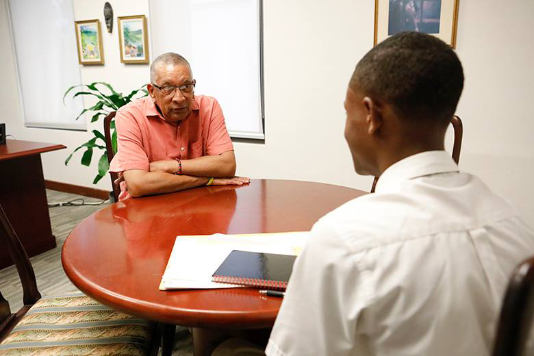 Minister David Burch & Dimitrius Richardson Bermuda Oct 2018 (1)