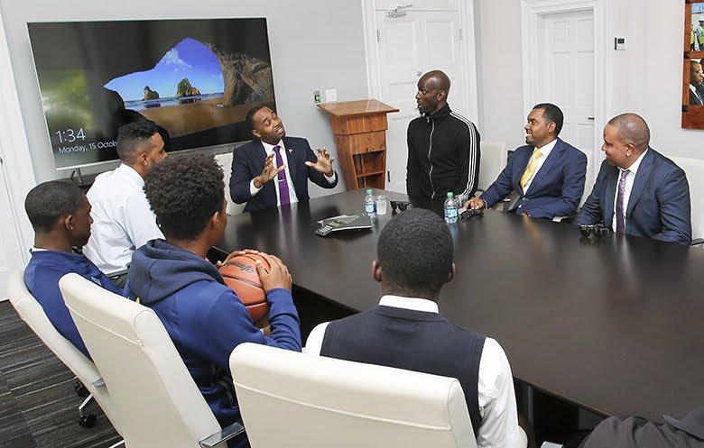Premier Meets Kevin Garnett Bermuda Oct 15 2018 (2)