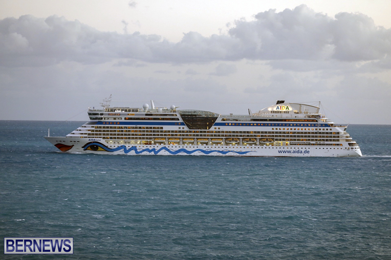 cruise ships arriving Bermuda Oct 31 2018 (15)