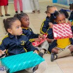Children Greet Santa At Airport Bermuda, November 23 2018-8448