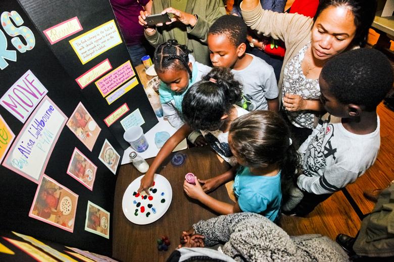 Somerset-Primary-School-Science-Fair-Bermuda-Nov-22-2018-25