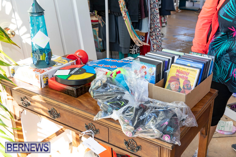 Somersfield-Academy-Peddlers-Artisans-Porch-flea-market-sale-Bermuda-November-3-2018-3769