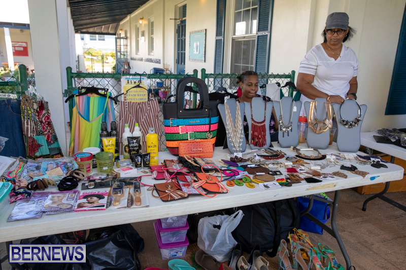 Somersfield-Academy-Peddlers-Artisans-Porch-flea-market-sale-Bermuda-November-3-2018-3806
