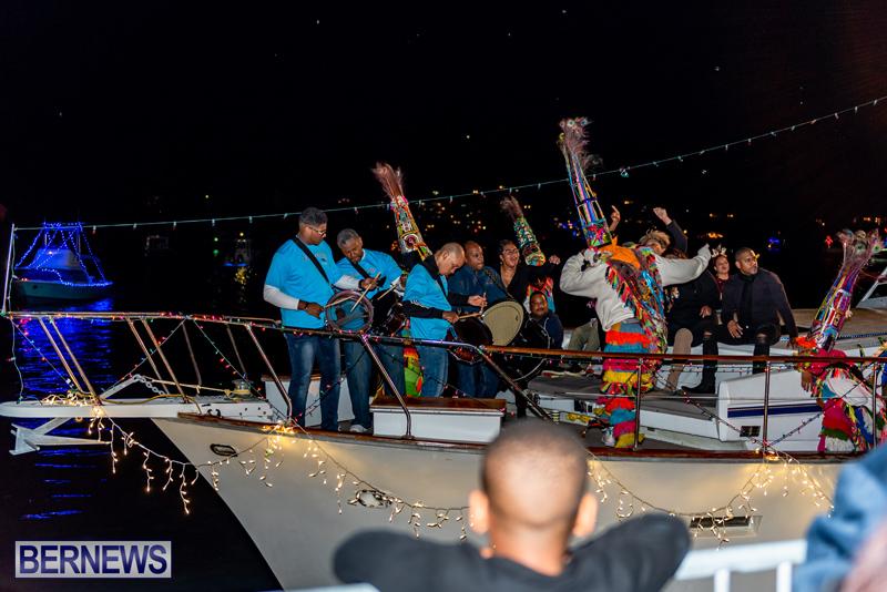 Christmas Boat Parade Viewing Village Bermuda Dec 2018 (13)