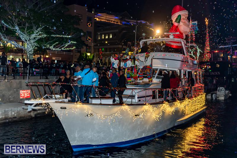 Christmas Boat Parade Viewing Village Bermuda Dec 2018 (14)