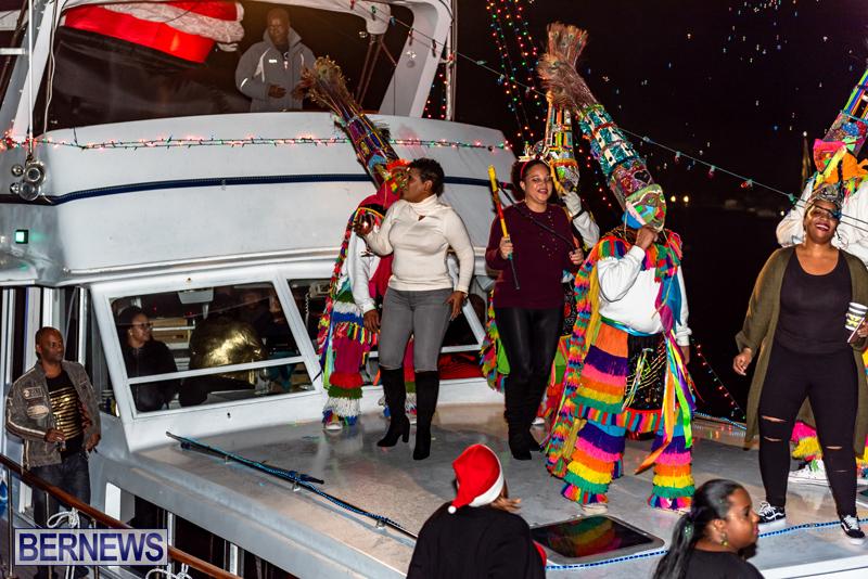 Christmas Boat Parade Viewing Village Bermuda Dec 2018 (15)