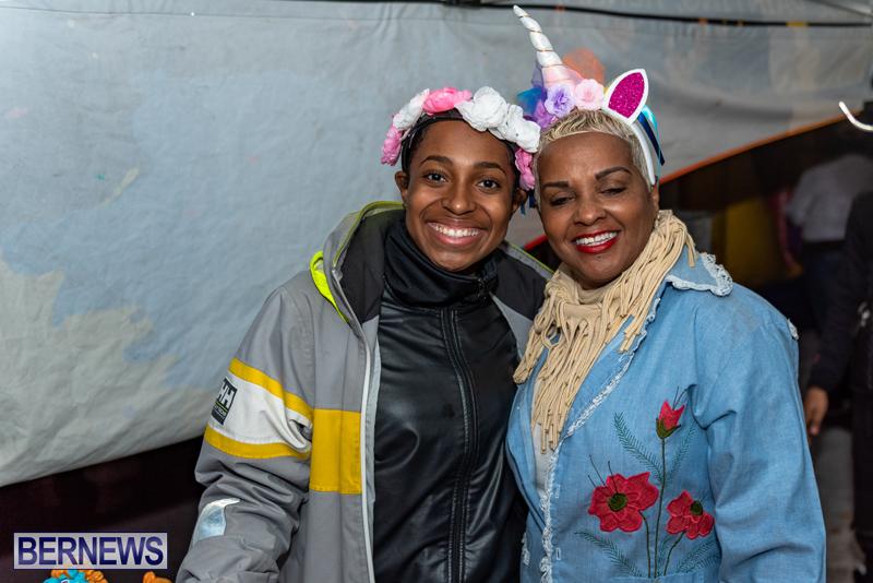 Christmas-Boat-Parade-Viewing-Village-Bermuda-Dec-2018-4