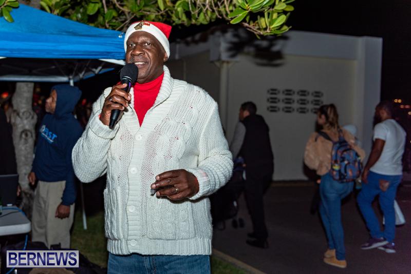 Christmas Boat Parade Viewing Village Bermuda Dec 2018 (7)