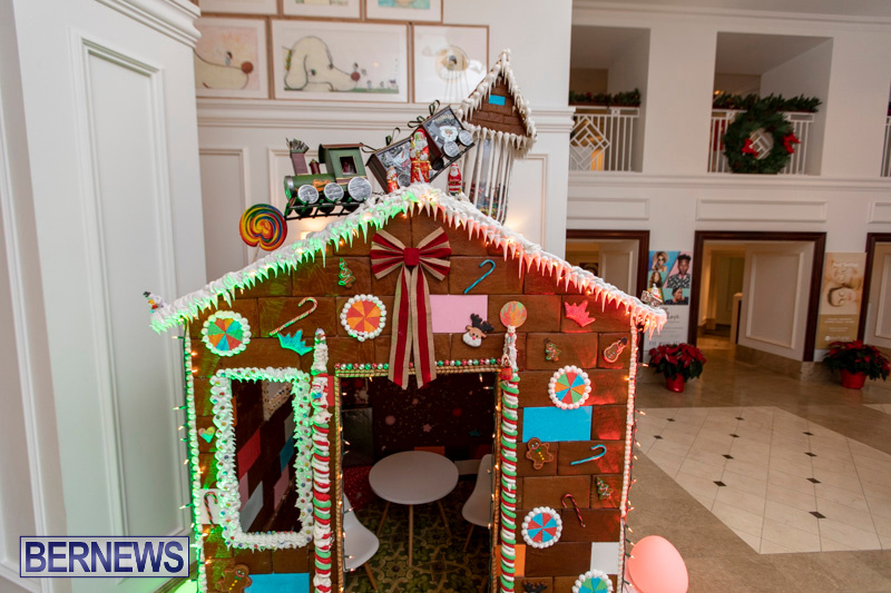 Gingerbread-House-and-Christmas-tree-Hamilton-Princess-Beach-Club-Bermuda-December-3-2018-2983