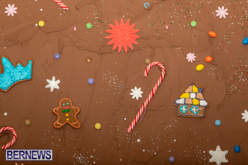 Gingerbread-House-and-Christmas-tree-Hamilton-Princess-Beach-Club-Bermuda-December-3-2018-3001
