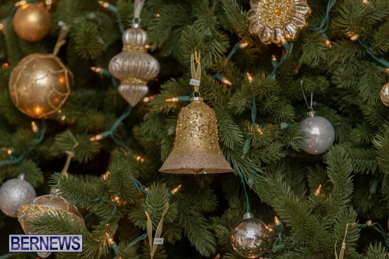 Gingerbread-House-and-Christmas-tree-Hamilton-Princess-Beach-Club-Bermuda-December-3-2018-3032
