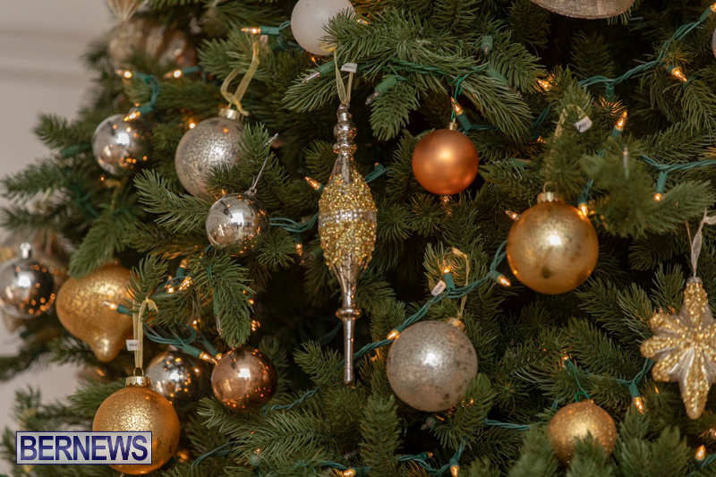 Gingerbread-House-and-Christmas-tree-Hamilton-Princess-Beach-Club-Bermuda-December-3-2018-3035