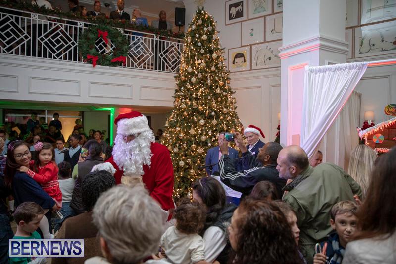 Gingerbread-House-and-Christmas-tree-Hamilton-Princess-Beach-Club-Bermuda-November-30-2018-1860