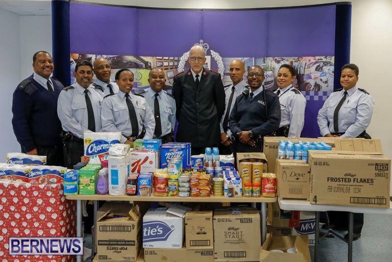 Police Community Action Team Christmas Bermuda, December 13 2018 (1)