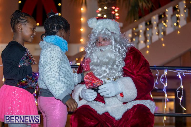 Santa-Claus-visits-St.-George's-Bermuda-December-1-2018-2221