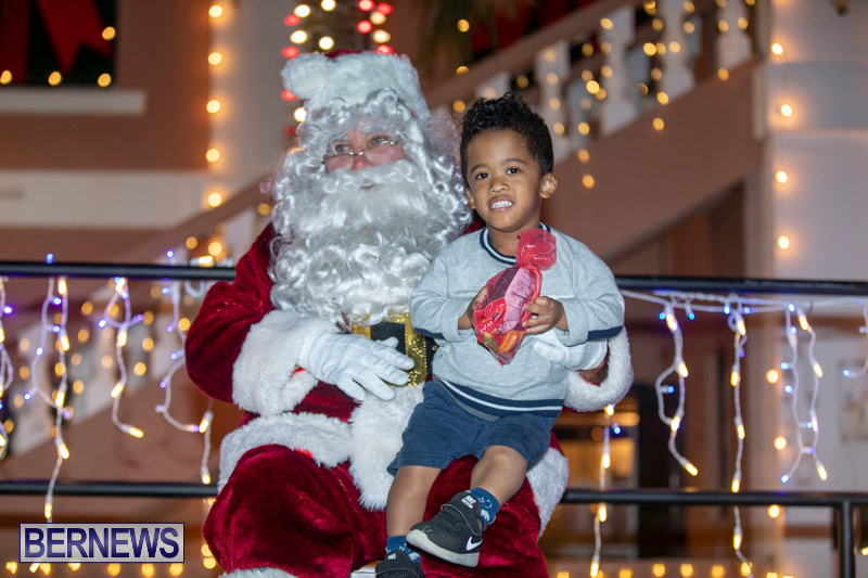 Santa-Claus-visits-St.-George's-Bermuda-December-1-2018-2231