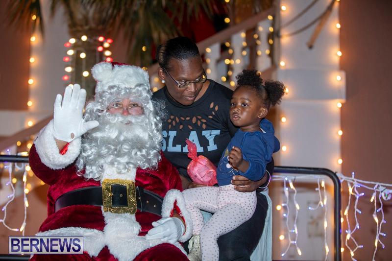 Santa-Claus-visits-St.-George's-Bermuda-December-1-2018-2240