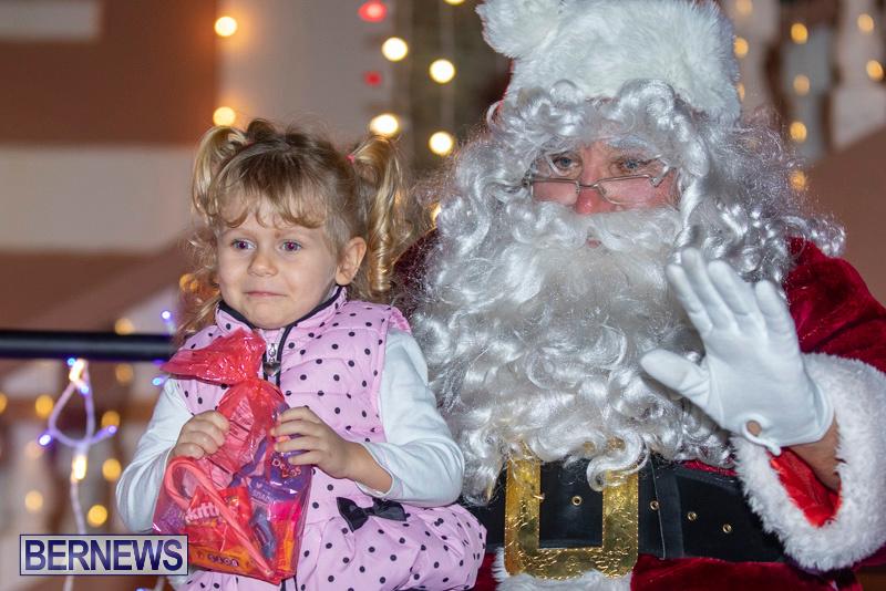 Santa-Claus-visits-St.-George's-Bermuda-December-1-2018-2266