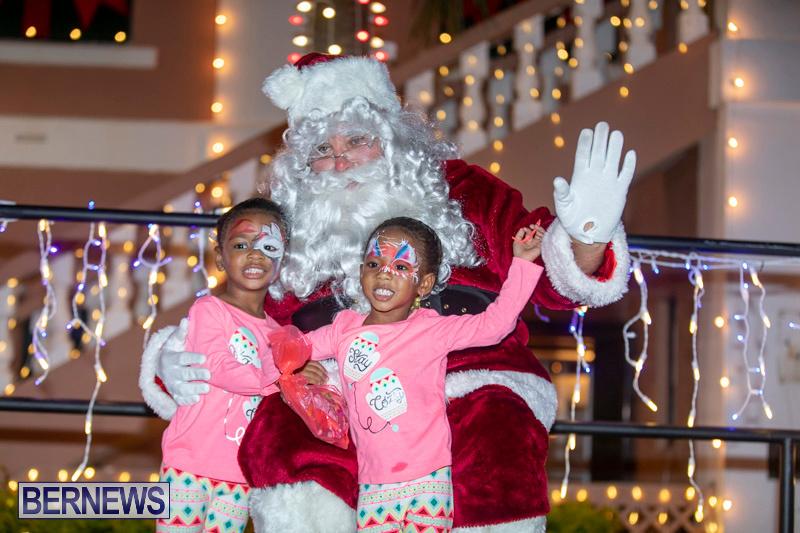 Santa-Claus-visits-St.-George's-Bermuda-December-1-2018-2278