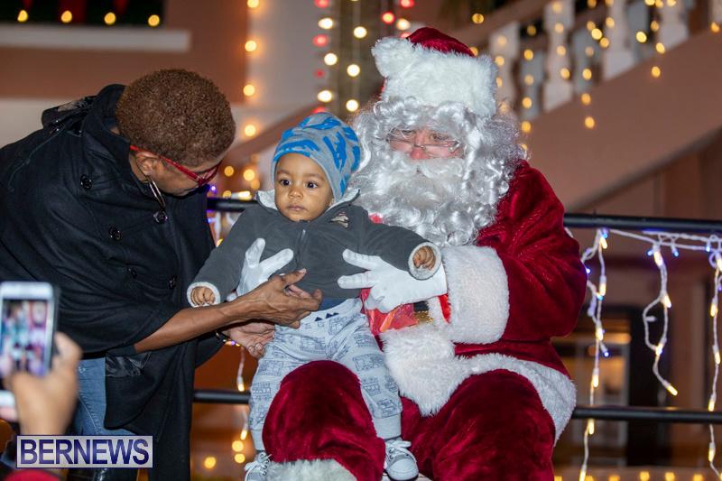 Santa-Claus-visits-St.-George's-Bermuda-December-1-2018-2289