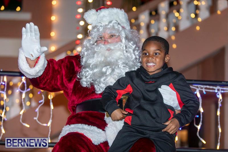 Santa-Claus-visits-St.-George's-Bermuda-December-1-2018-2296