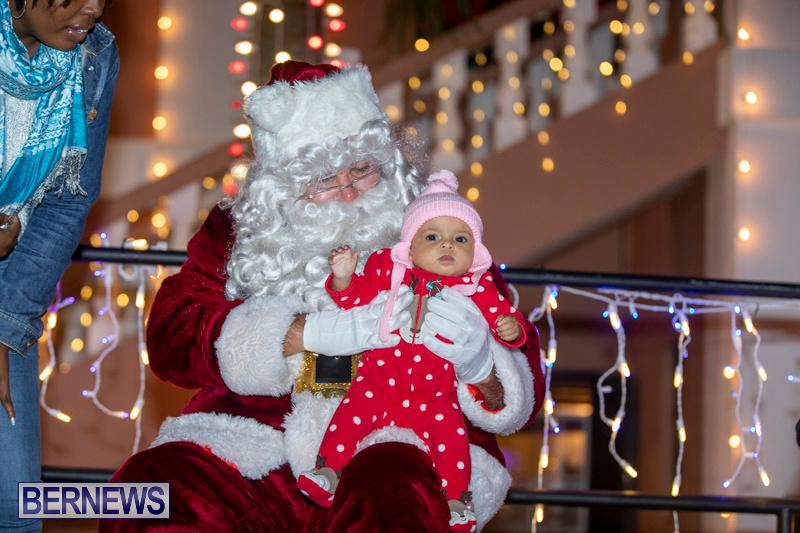 Santa-Claus-visits-St.-George's-Bermuda-December-1-2018-2298