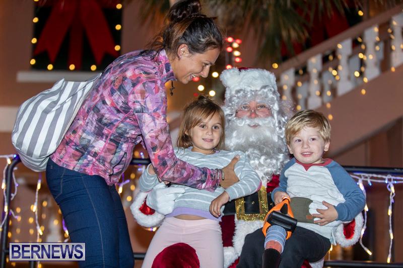 Santa-Claus-visits-St.-George's-Bermuda-December-1-2018-2302