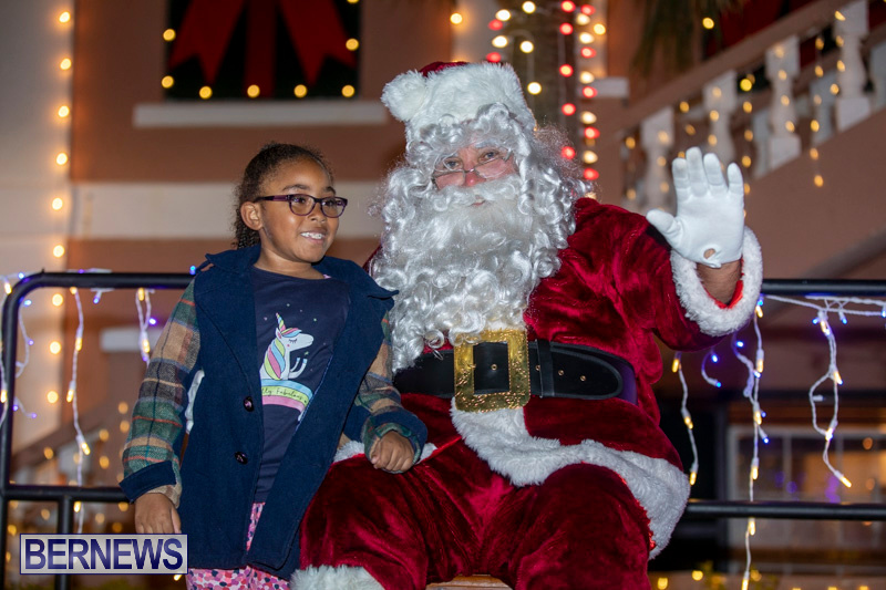 Santa-Claus-visits-St.-George's-Bermuda-December-1-2018-2313