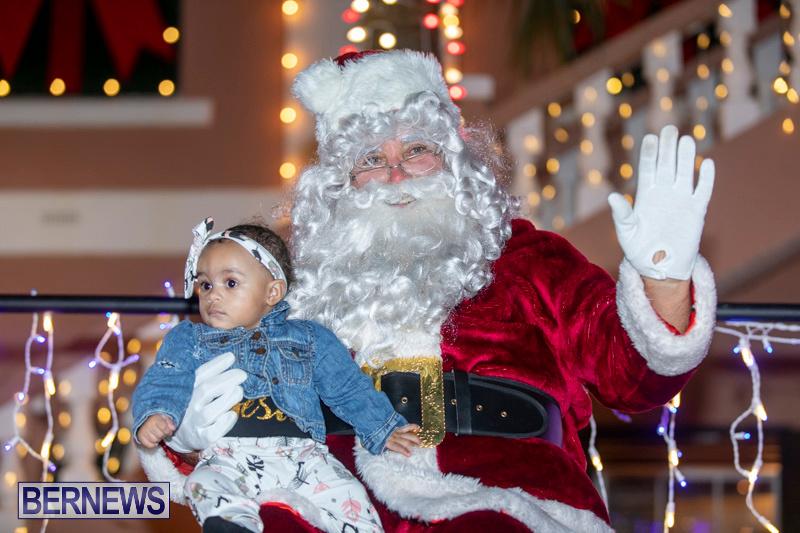 Santa-Claus-visits-St.-George's-Bermuda-December-1-2018-2317
