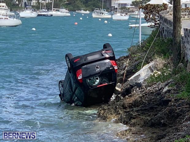car overturned Bermuda Feb 25 2019 (1)