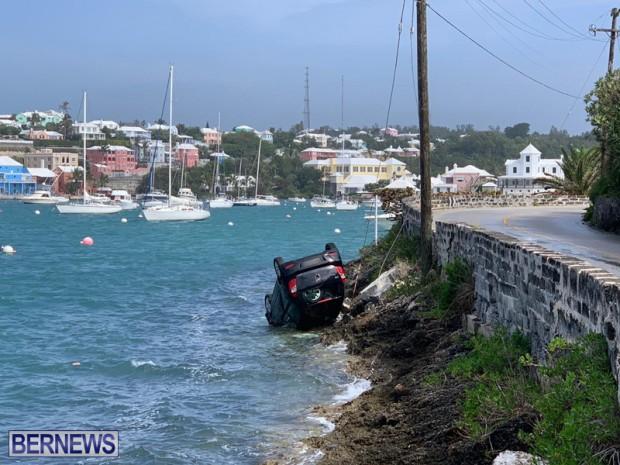 car overturned Bermuda Feb 25 2019 (2)