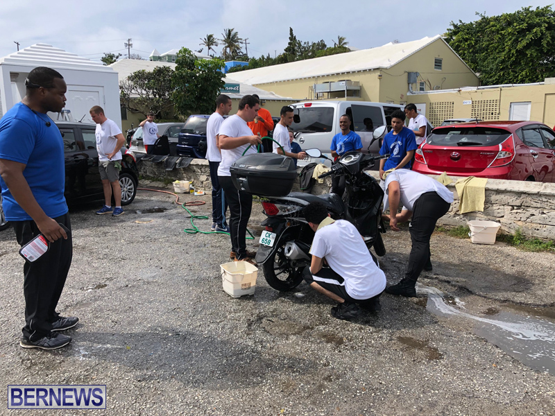 Police officers assist Freeman Family Mar 2 (16)