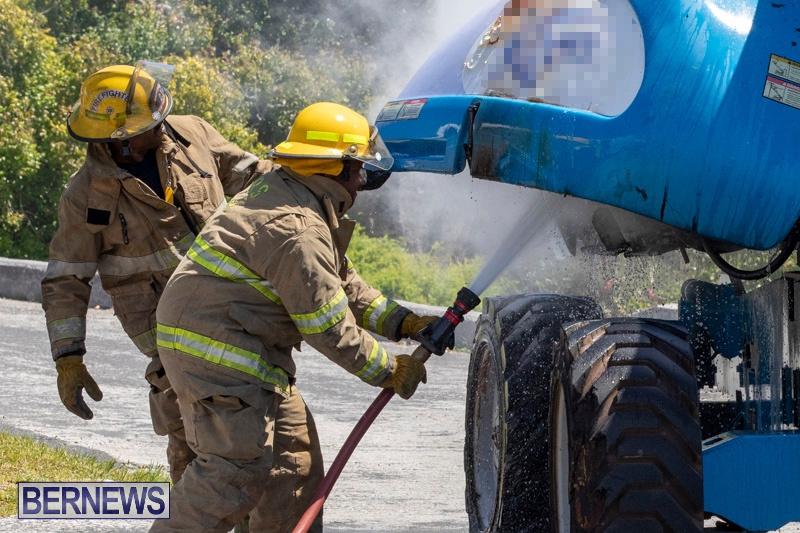 Bucket Hi Lift Fire Bermuda, April 29 2019-0002