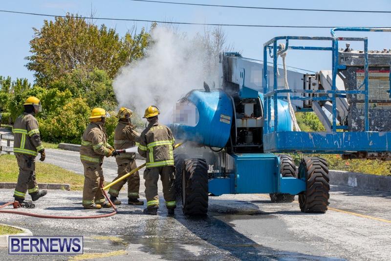 Bucket Hi Lift Fire Bermuda, April 29 2019-0003