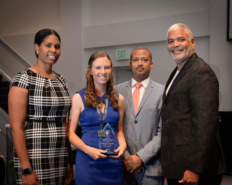 Outstanding-Teen-Award-Bermuda-April-2019-10