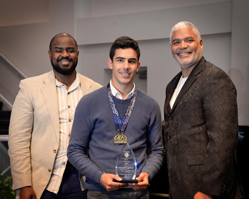 Outstanding-Teen-Award-Bermuda-April-2019-13