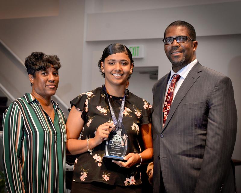 Outstanding-Teen-Award-Bermuda-April-2019-14