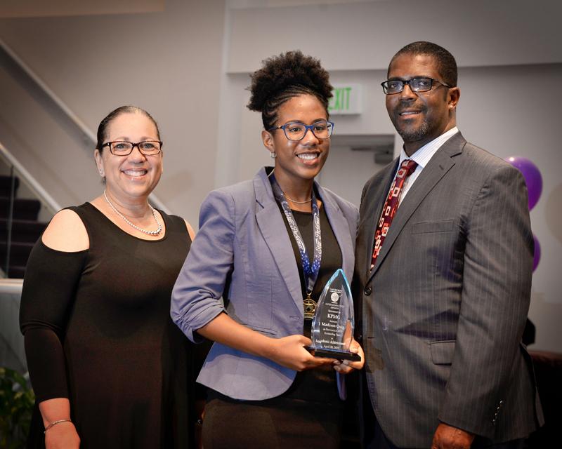 Outstanding-Teen-Award-Bermuda-April-2019-16