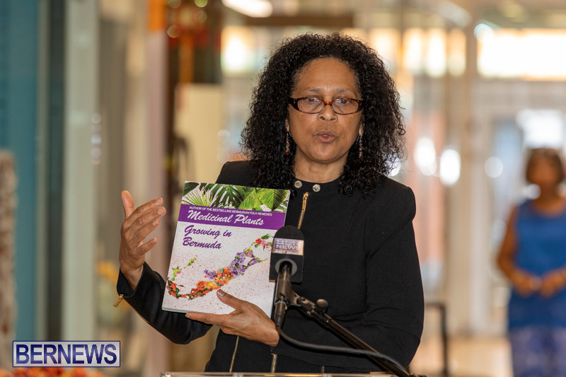 Dr Kuni Frith book launch Medicinal Plants Growing in Bermuda, April 30 2019-0197