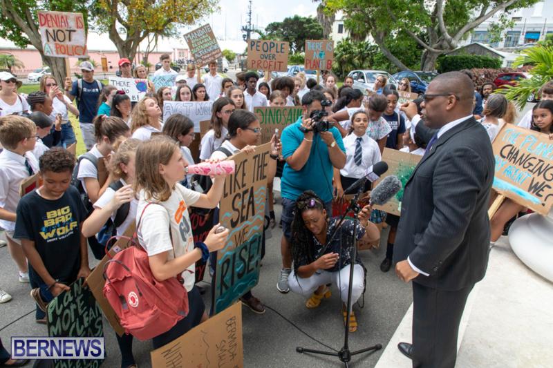 Future-Climate-Rally-and-School-Strike-Bermuda-June-14-2019-6610