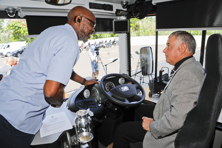 Minister DeSilva Bus Updates Bermuda Aug 2019 (2)