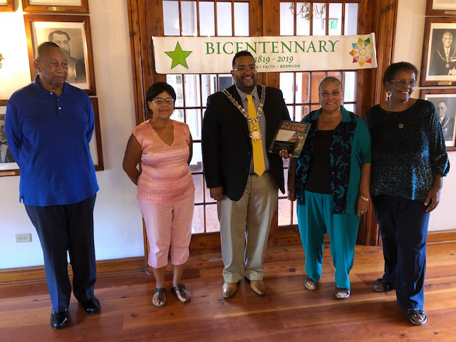 Bahais Presentation To Mayor George Dowling Bermuda Nov 2019