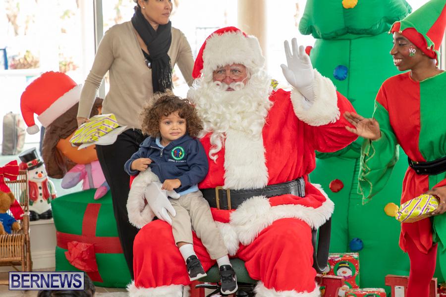 Perform-To-Learn-Pre-School-Santa-Arrives-at-LF-Wade-Airport-Bermuda-November-29-2019-4081