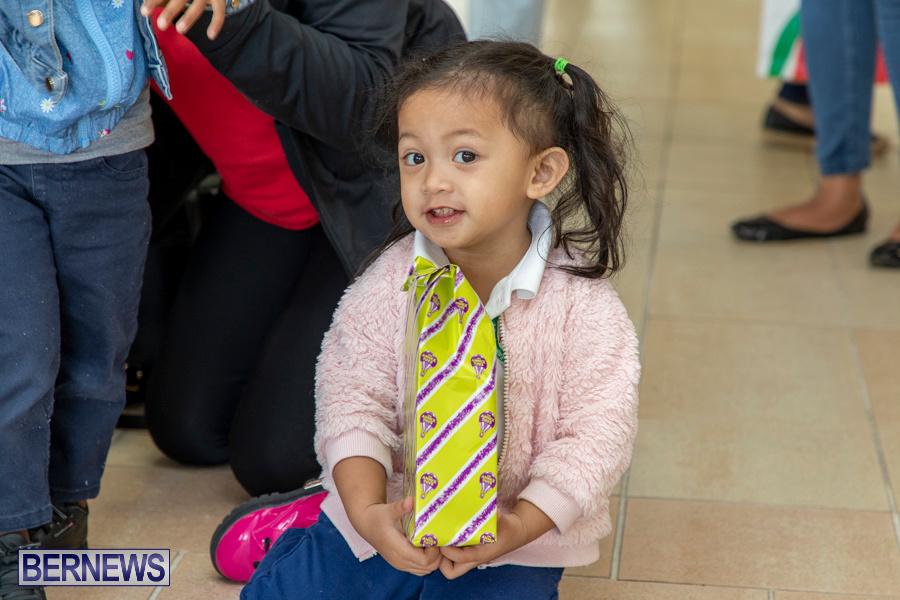 Perform-To-Learn-Pre-School-Santa-Arrives-at-LF-Wade-Airport-Bermuda-November-29-2019-4085