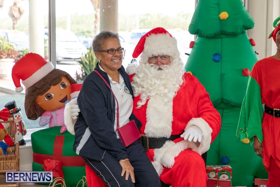 Perform-To-Learn-Pre-School-Santa-Arrives-at-LF-Wade-Airport-Bermuda-November-29-2019-4103