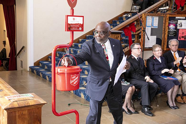 Salvation Army Christmas Kettle Campaign Bermuda Nov 2019 (2)
