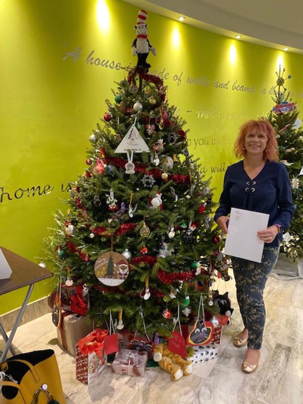 Charity Christmas Tree Event Bermuda Dec 2019 (4)