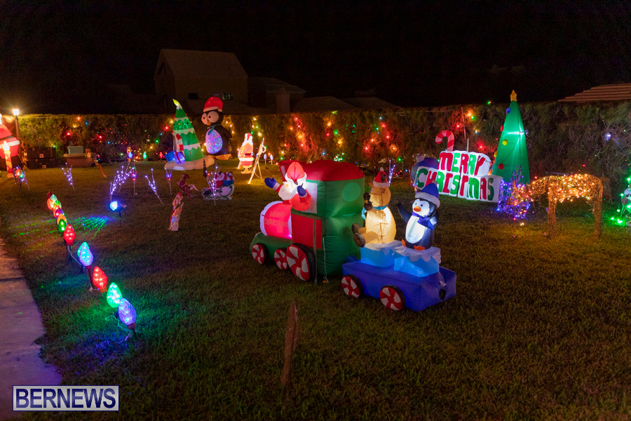 Christmas-Lights-Decorations-Bermuda-December-20-2019-640