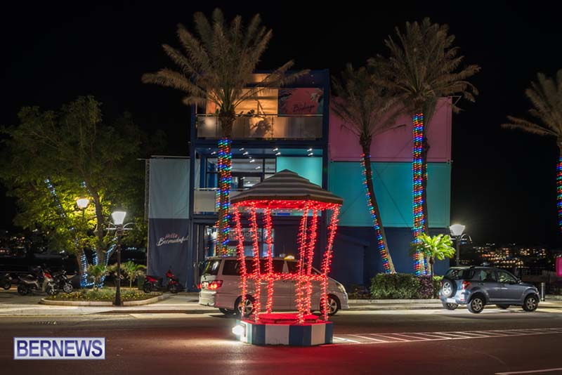 Hamilton Bermuda Christmas Photos Dec 24 2019 (20)